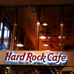 Photo taken at ハードロックカフェ 上野駅 (Hard Rock Cafe - Ueno-Eki) by mana . on 5/4/2012