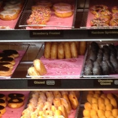 Photo taken at Dunkin Donuts by Dee S. on 5/30/2012