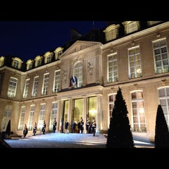 Photo taken at Palais de l'Élysée by Caroline D. on 12/7/2011