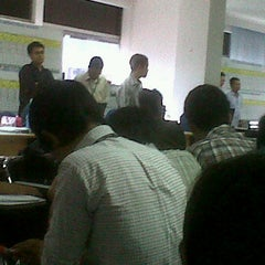 Photo taken at PT Summit Oto Finance Bandung 2 by Stevely K. on 2/7/2012