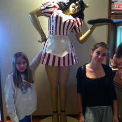 Photo taken at Ruby's Diner by Mark F. on 11/27/2011
