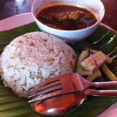 Photo taken at Nasi Dagang Ulik Mayang by Mohd Razif S. on 9/24/2011