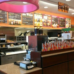 Photo taken at Dunkin Donuts by Toneah L. on 11/23/2011
