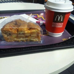 Photo taken at McDonalds by Roland T. on 5/14/2012