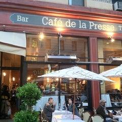 Photo taken at Café de la Presse by Kevin L. on 7/15/2012
