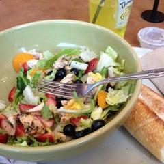 Das Foto wurde bei Panera Bread von Matthew M. am 5/17/2012 aufgenommen