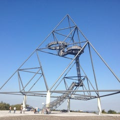 Photo taken at Tetraeder (Halde Beckstraße) by Christian D. on 9/8/2012