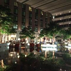 Photo taken at Novotel Suvarnabhumi Airport Hotel (โรงแรมโนโวเทล สุวรรณภูมิ) by Patcharapa L. on 2/15/2012