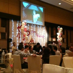 Photo taken at Oversea Restaurant by Kent B. on 12/24/2011