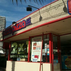 Photo taken at PizzaPizza by Vladimir B. on 7/22/2012