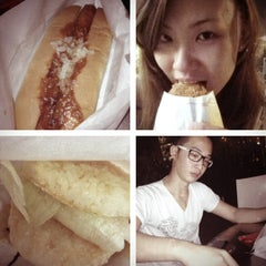 Photo taken at MOS Burger by 💋Chrissey🎀涵玉👠 E. on 2/26/2012