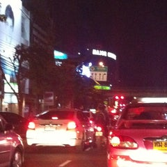 Photo taken at แยกรัชโยธิน (Ratchayothin Intersection) by Daow Ja D. on 8/24/2012