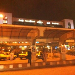 Photo taken at Jinnah International Airport (KHI) جناح بین الاقوامی ہوائی اڈہ by Faisal A. on 9/25/2011