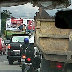 Photo taken at Perempatan Monjali by Agus Feri S. on 11/24/2011