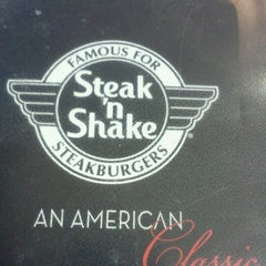 Photo taken at Steak 'n Shake by dakota j. on 12/15/2011