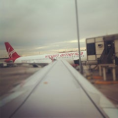 Photo taken at Virgin America Flight 416 by Rob H. on 11/11/2011