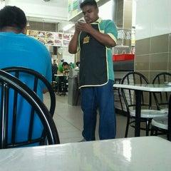 Photo taken at Restaurant Biriyani Sri Manjung by Fairuz A. on 1/14/2012