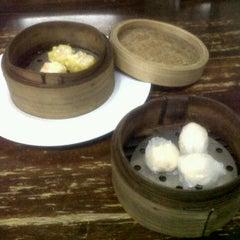 Photo taken at Mr.Sia Hot Quick Thai-Chinese Dish   มิสเตอร์เซี๊ย by Wen C. on 8/15/2011