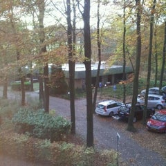 Photo taken at Hampshire Hotel - Mooi Veluwe by Wesley L. on 11/4/2011