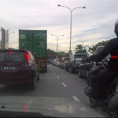 Photo taken at Traffic Light Jalan Salleh by Khalis M. on 6/8/2012
