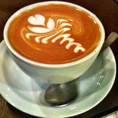 Photo taken at Café Corridor by 高手놀리밑™ on 10/2/2011