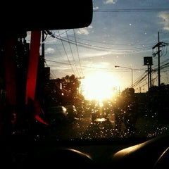 Photo taken at แยกแสงเพชร (Saeng Phet Intersection) by Plakad on 9/10/2012