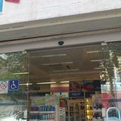 Photo taken at Droga Raia by Tércio M. on 2/15/2012