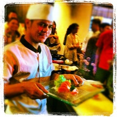 Photo taken at Poke Sushi by Yuli O. on 7/12/2012