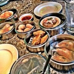 Photo taken at Bo Ling's Chinese Restaurant by Otis K. on 7/22/2012