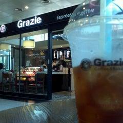 Photo taken at 그라찌에 (Grazie) by Hani J. on 7/27/2012