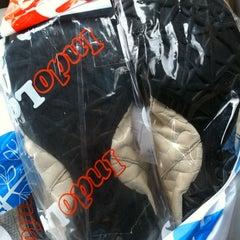 Photo taken at Indo Laundry Indomaret by Indira Renantera on 3/8/2012