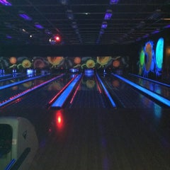 Photo taken at New Roc n Bowl at Funfuzion New Roc City by Cynthia P. on 3/17/2012