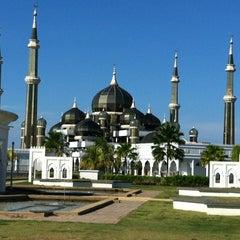 Photo taken at Masjid Kristal by Fiffy A. on 4/23/2012