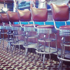 Photo taken at Silver Diner by Kristin L. on 6/8/2012