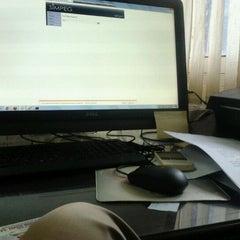 Photo taken at Badan Kepegawaian Daerah Kota Samarinda by pmin v. on 4/11/2012