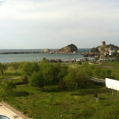 Photo taken at Grand Şile Otel by Ilker O. on 4/21/2012