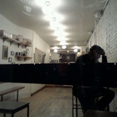 Photo taken at Ninth Street Espresso by Miro Y. on 11/19/2011