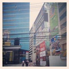 Photo taken at อาคารมาลีนนท์ (Maleenont Tower) by Korakan Y. on 6/15/2012