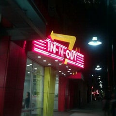 Photo taken at In-N-Out Burger by Ana on 1/14/2012