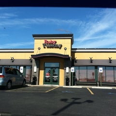 Photo taken at Ruby Tuesday by Stacy L. on 10/16/2011