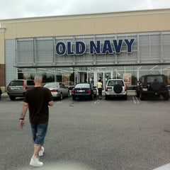 Photo taken at Old Navy by Anissa on 7/8/2011