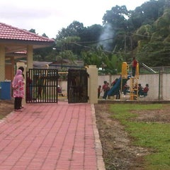 Photo taken at Sek.Keb.Semambu by wan darina w. on 1/18/2012
