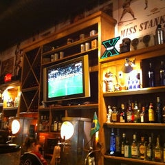Photo taken at Joe & Leo's by Paulo P. on 12/27/2010