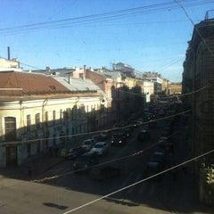 Photo taken at Пятый угол / 5th Corner Hotel by Garik G. on 3/31/2012