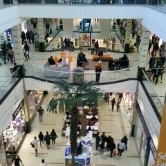 Photo taken at Mall Plaza Oeste by Josè V. on 8/4/2012