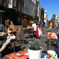 Photo taken at Brasserie 't Ogenblik by Elloy on 6/10/2012