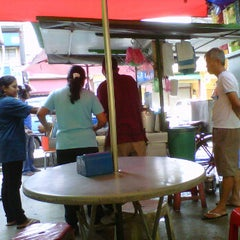 Photo taken at Cendol Bandar Tangkak (bus stand) by jack m. on 1/23/2012