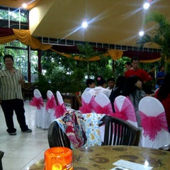 Photo taken at Restoran Karang Jati by Edy K. on 3/6/2011