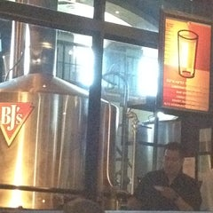 Photo taken at BJ's Restaurant and Brewhouse by Lada on 8/19/2012