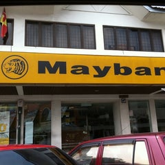 Photo taken at Maybank by Edrie H. on 7/31/2011